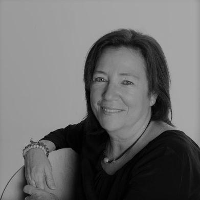 Dª. María Castro Molera